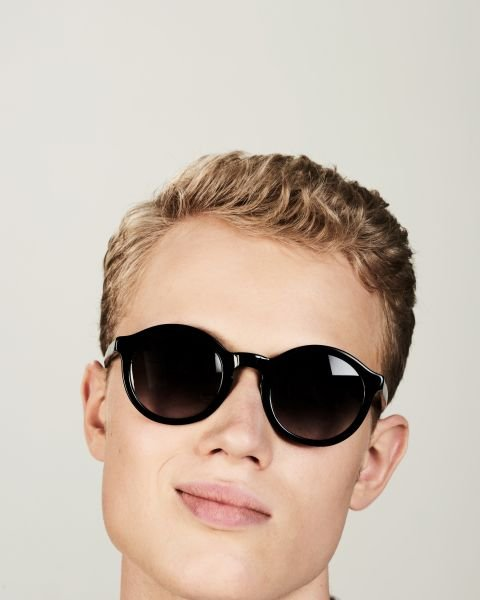 Colin rund bio acetate glasses in Bio Black by Ace & Tate
