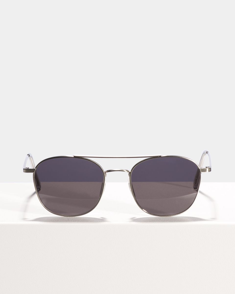 Olaf quadratisch Metall glasses in Satin silver by Ace & Tate
