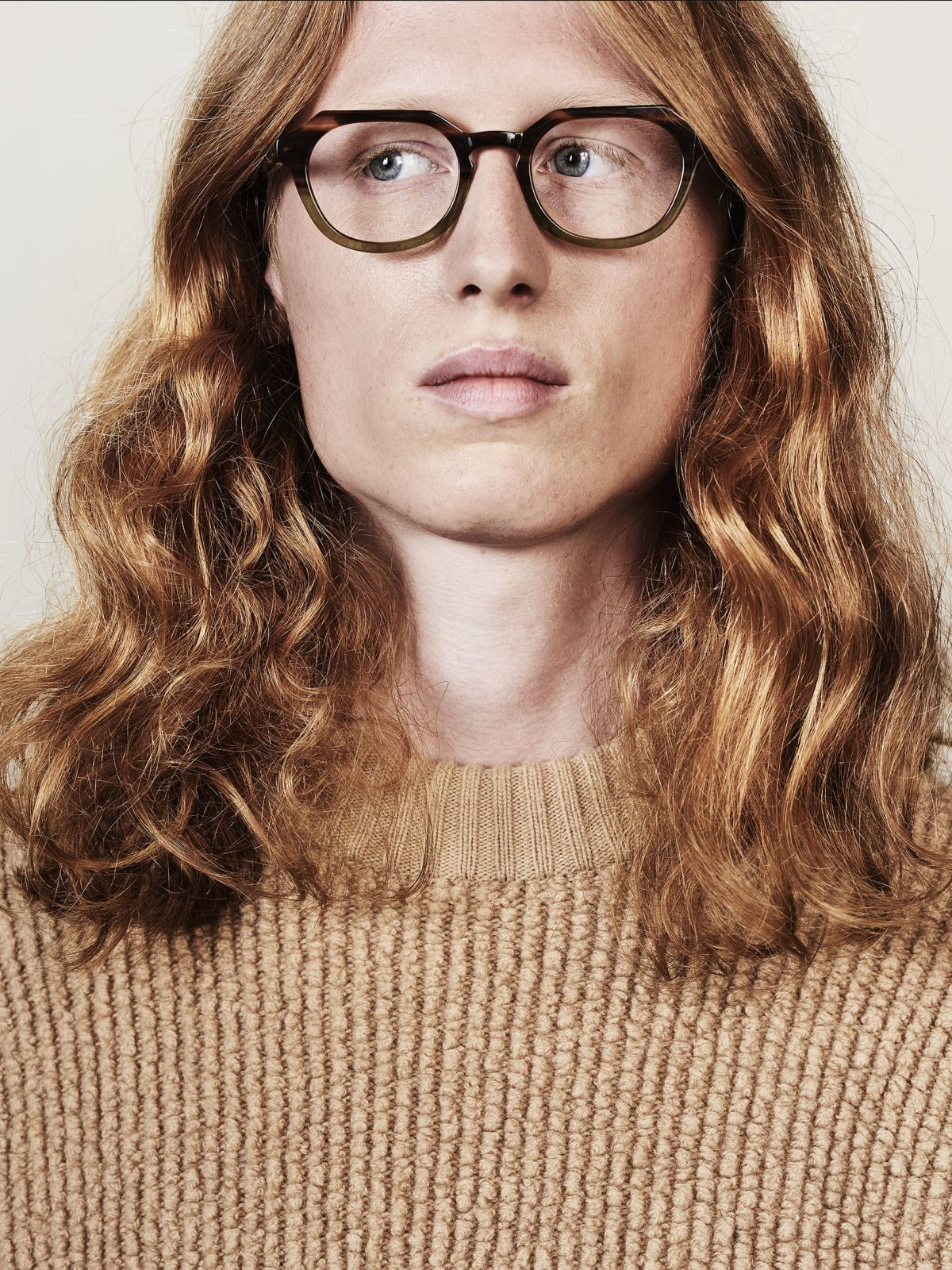 Johnny oval acetate glasses in Hunter Green by Ace & Tate