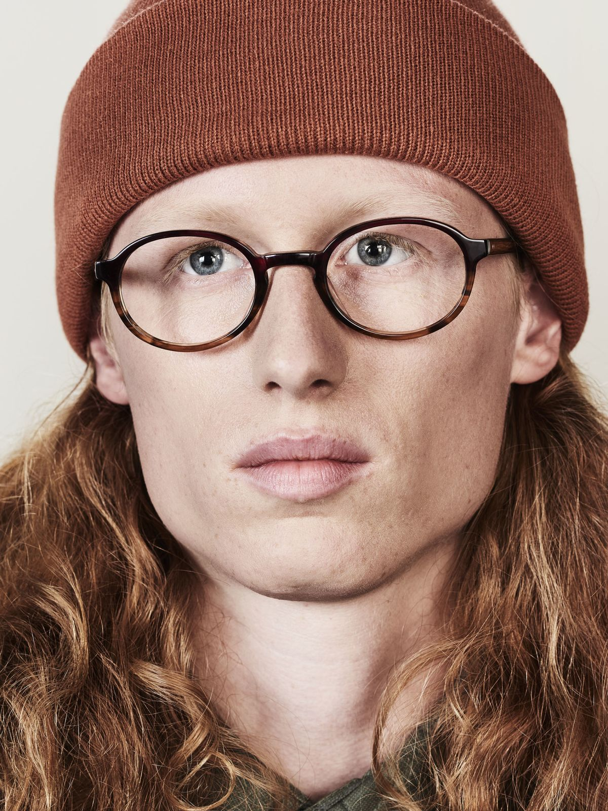 Jones oval Acetat glasses in Red Havana by Ace & Tate