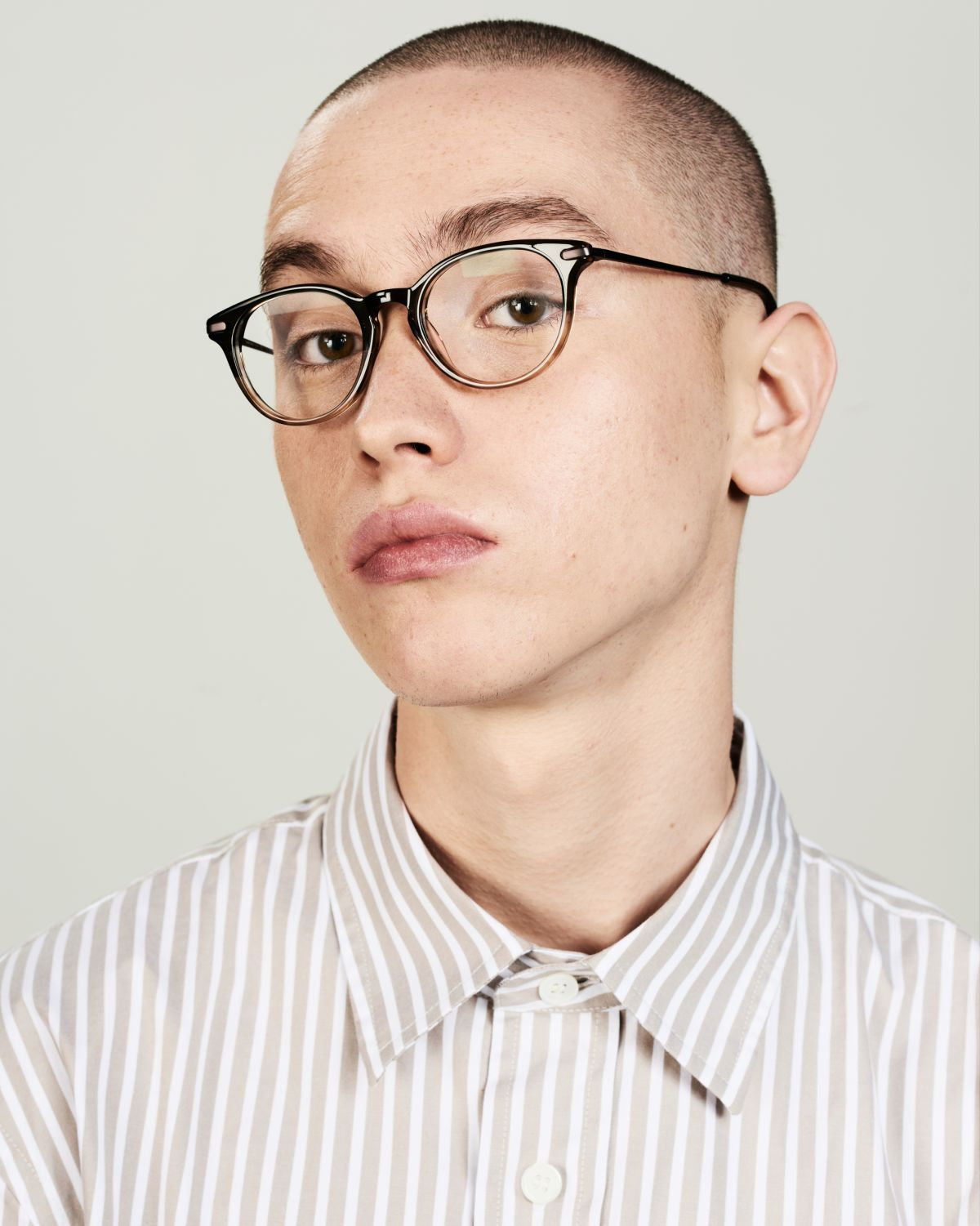 Max Metal Temple round combi glasses in Olive Gradient by Ace & Tate